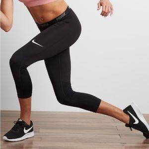 Nike victory training Capri women medium NWT